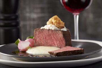 tenderloin steak with creamed parsnip sauce